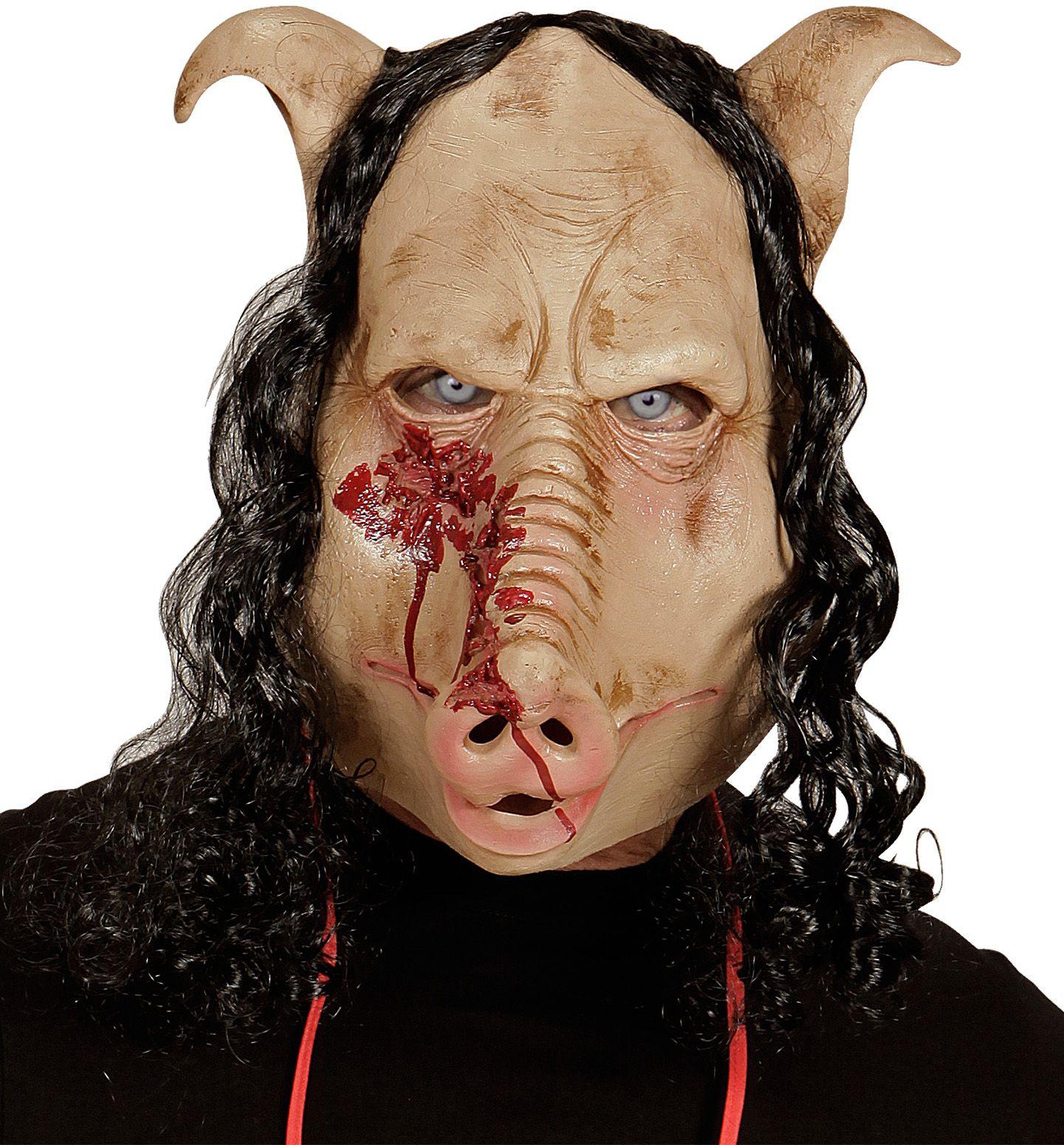 Bebloede varkenskop masker