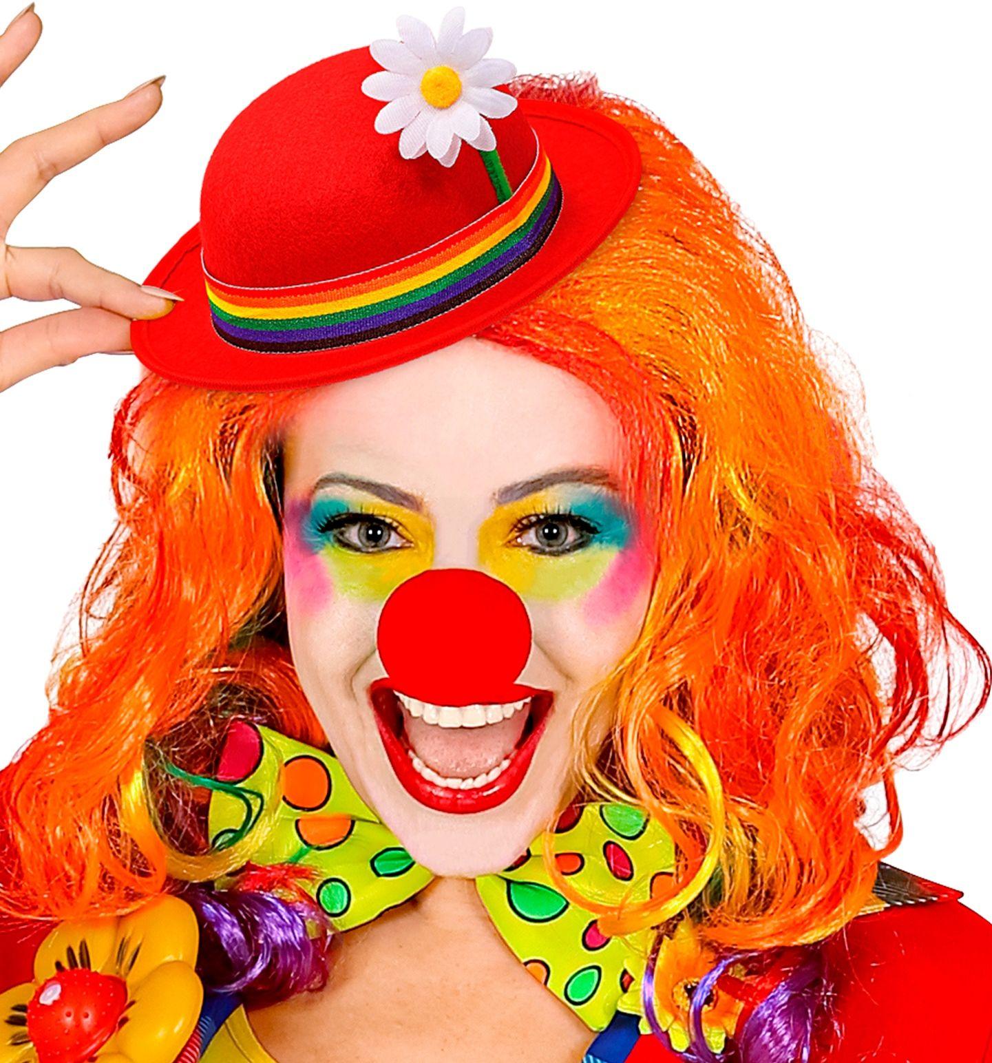 Clowns hoed met bloem