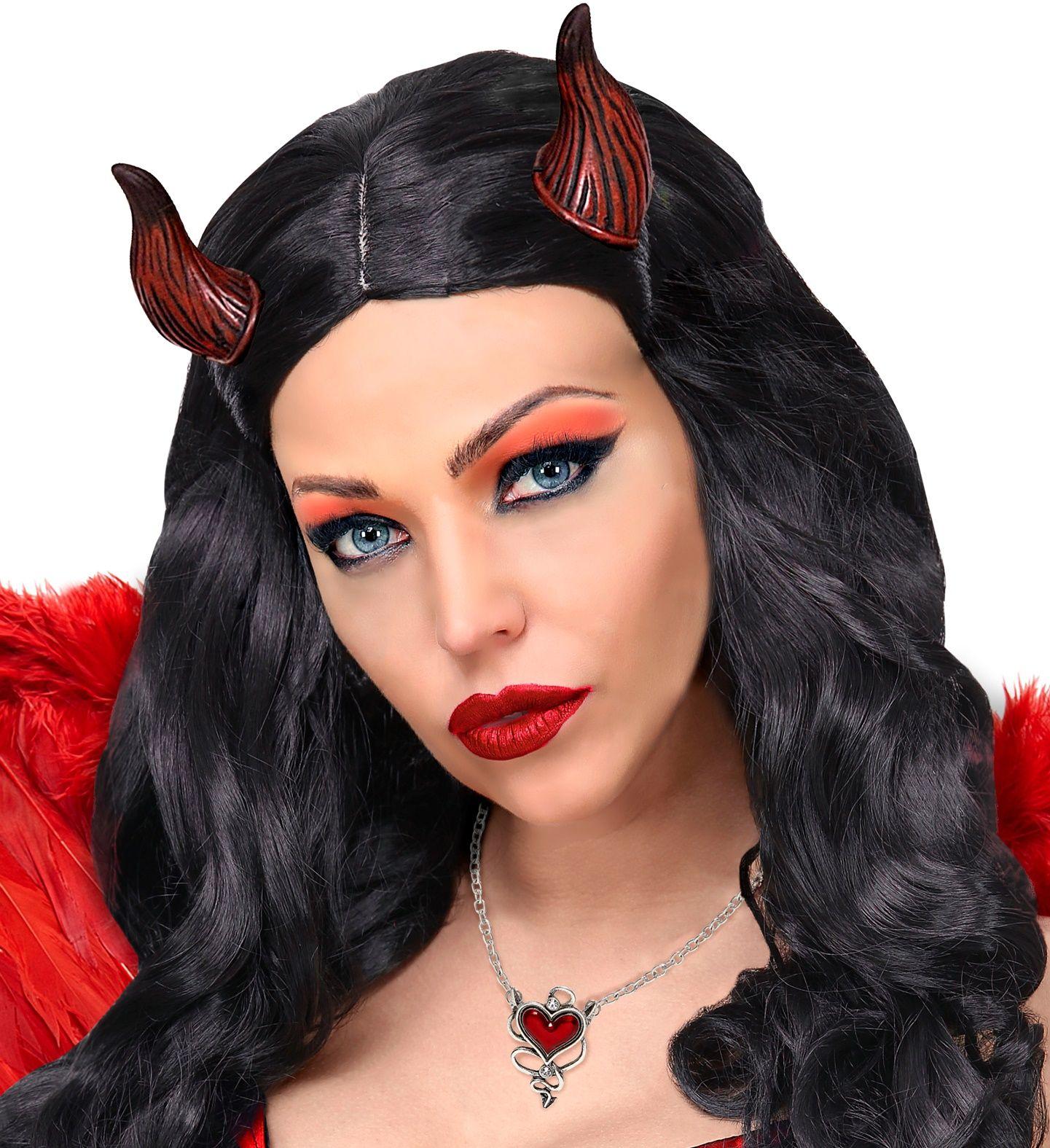 Duivel ketting met rood hartje