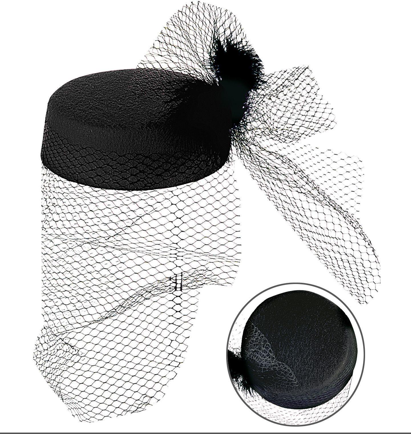 Zwarte hoed met veren en net
